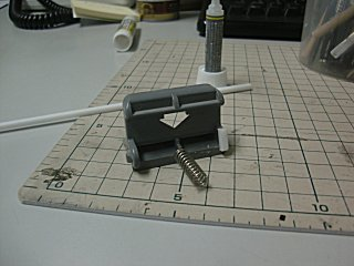 プラ工作素材を用いて自分で造形・修理しました。