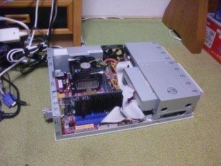 PCIビデオカードを自宅PCに接続してみました。