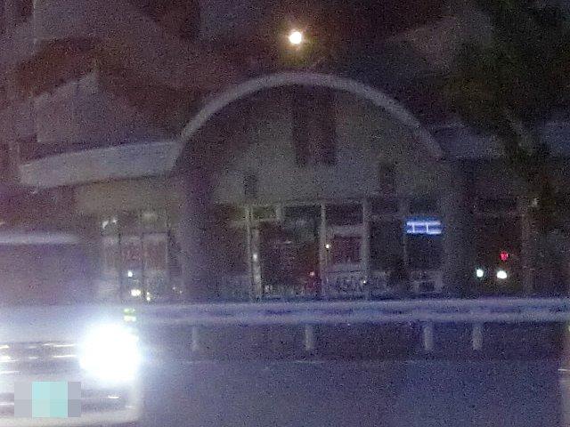 豊中市浜の様な不便な場所で、駐車スペース無き店舗はゼッタイに流行らない。