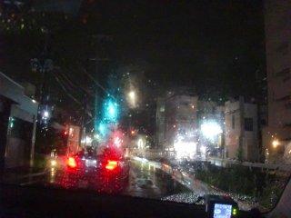 雨が激しくなり、帰りも迎えに行きました。