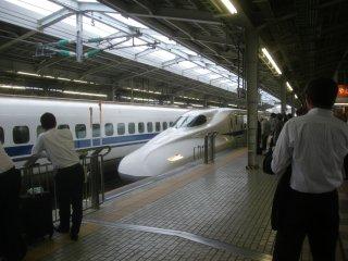 のぞみ216Aに新横浜まで乗車。