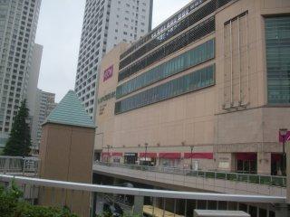 橋本で昼食・休憩しました。