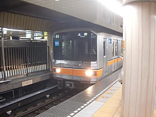 新橋から田原町まで東京メトロ銀座線に乗ったが、これは上野止まり。