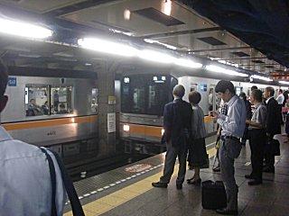上野から新1000系を期待していたが、来なかった。