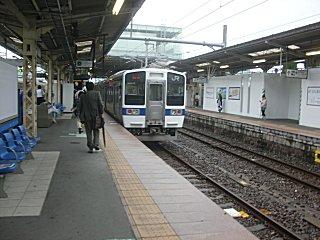 日立でローカル線に乗り換え、小木津に向かう。