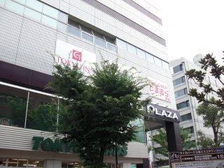 しまむら江坂店は7月中旬開業予定です。