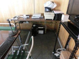 会議後、専用PC類の電源を完全オフにしました。
