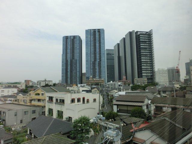 ソニーの大崎工場跡地には超高層ビルが建ち、大崎ゲートビルは影が薄い。