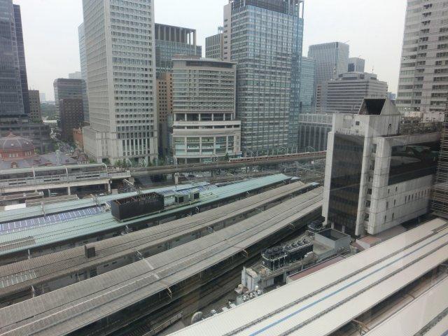 大丸デパート12階レストランからは東京駅が一望出来ます。