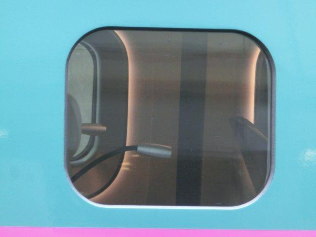 グリーン車の1つ上を行くグランクラス。かつての「つばめ」151系パーラーカーの再来か。