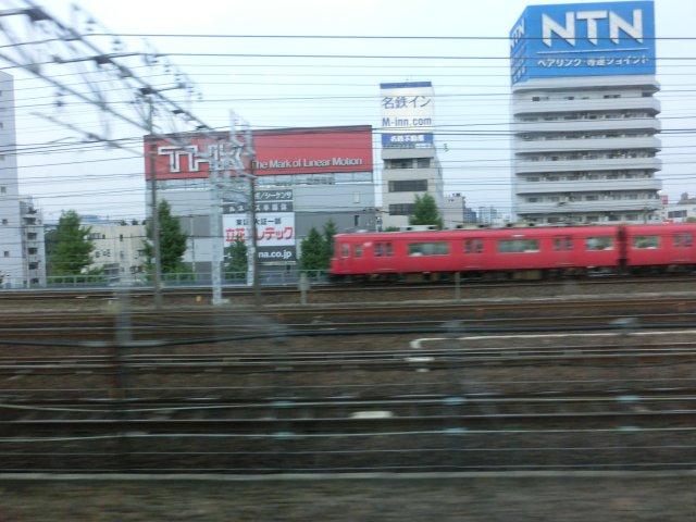 何時もながら名鉄電車を見ると何故かほっとします。