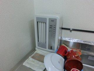 この暑さには全く効かない冷風扇です。