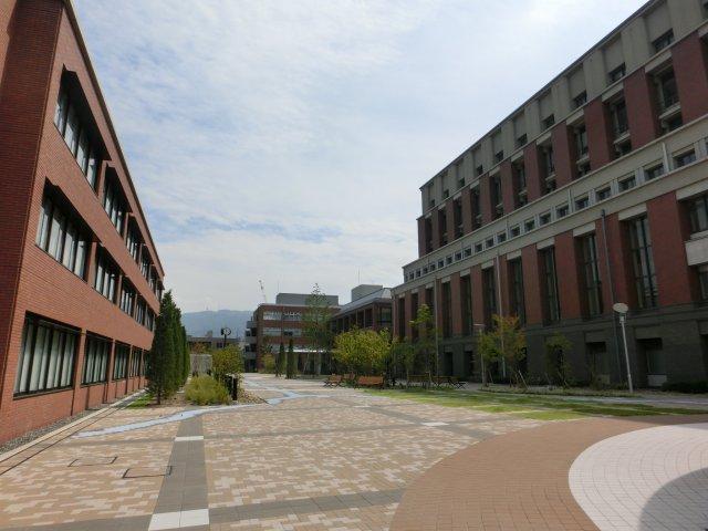 京都薬科大学。