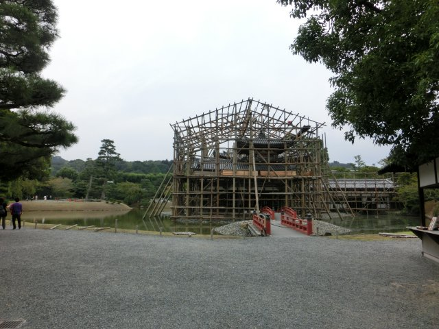 宇治平等院は修理中。