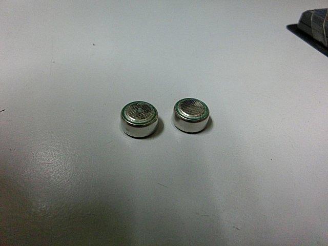 ボタン電池に液漏れ発生。