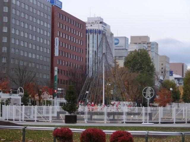 大通り公園のクリスマス飾り付けです。