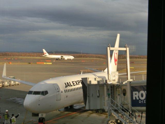 帰りの日航2512便も、B737−800で、JEXの機材・乗員でした。