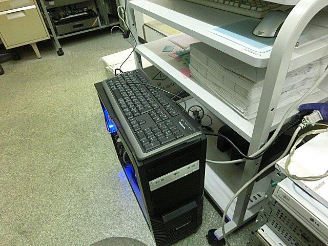 SSDを導入してクリーンインストール中の元廃棄PCです。