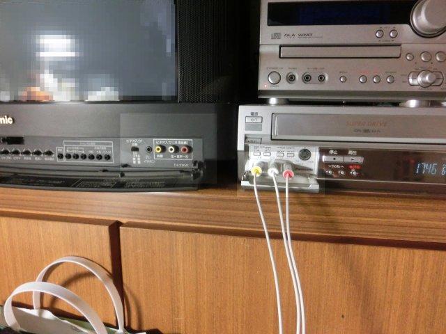 操作性とAV端子の配列に問題のあるパナソニックのTV。