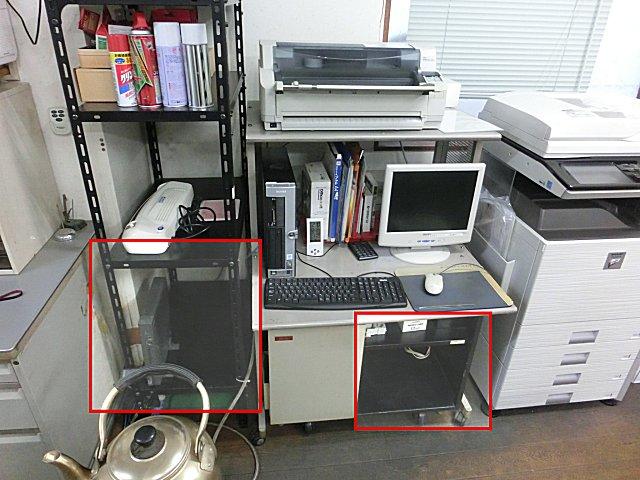 PCガラクタを旧電気室にしまい込み、部屋をスッキリさせました。