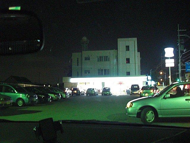 駐車中の車の9割が受験生送迎。