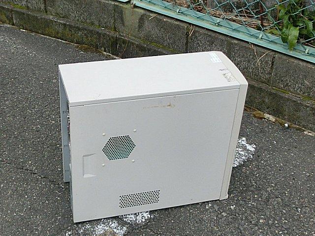 マザボ交換用に工場からサブサーバ機を持ってくる。