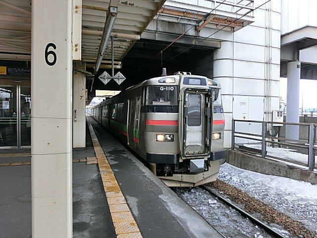 キハ201系とペアが似合う731系です。