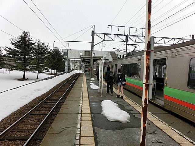 サッポロビール庭園駅で降りました。
