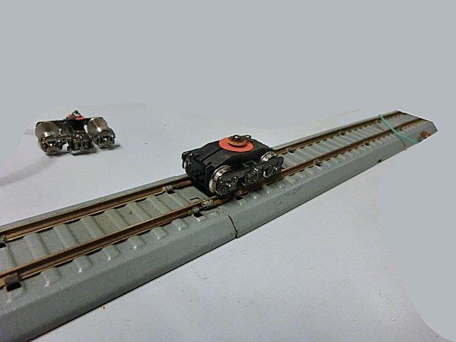 トップ模型からいただいたエンドウのトラクションモーターです。