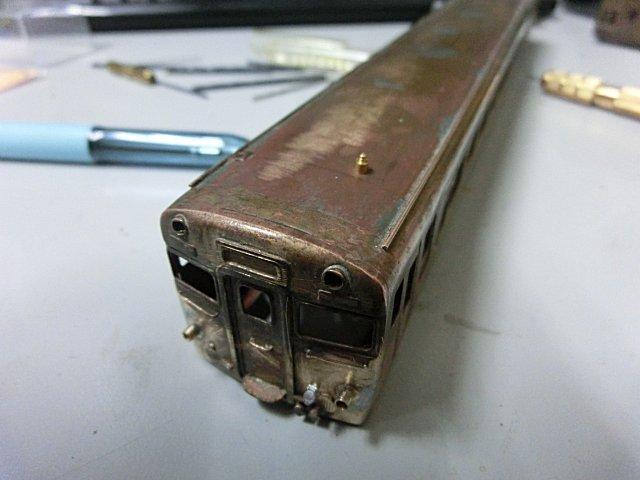 キハ58と28とでは、信号炎管の位置が微妙に異なります。
