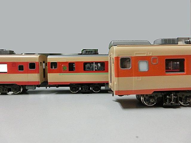 このキハ58も再塗り替えします。