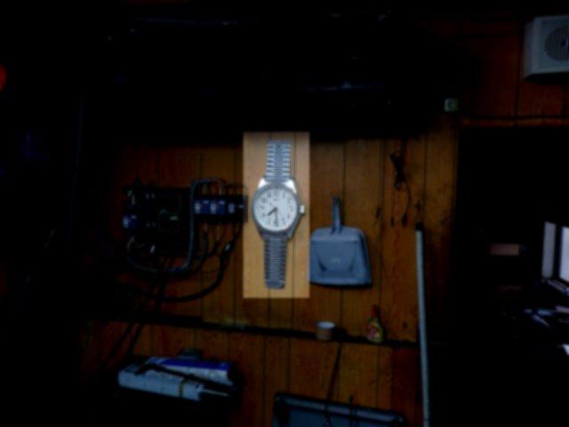 洗面台にあった時計は工作室に移設しました。
