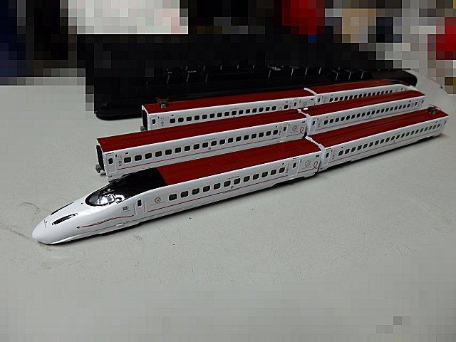 6両並んだ九州新幹線です。