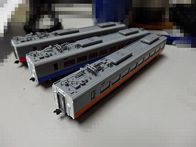 マイクロエースのE653系青・赤・朱も動力は全滅でした。