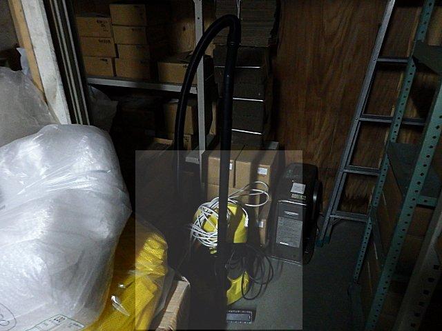 ケルヒャー製業務用掃除機を導入しました。