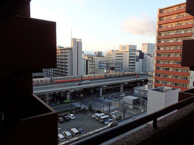 大阪市交通局地下鉄100周年記念ラッピング編成です。