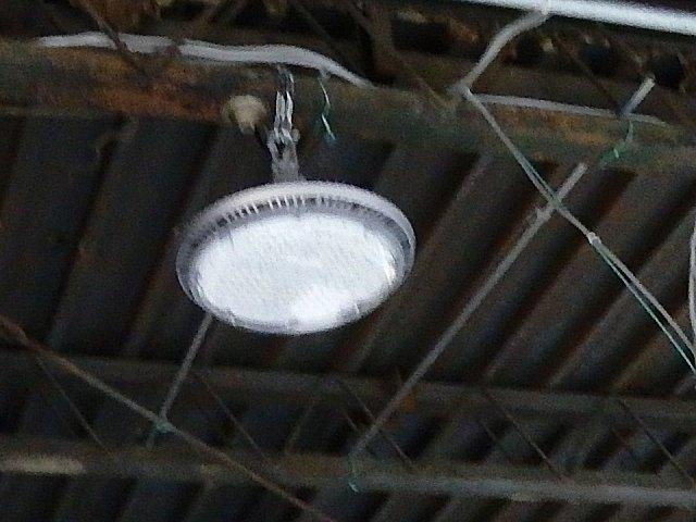 またまたLED水銀灯が壊れました。