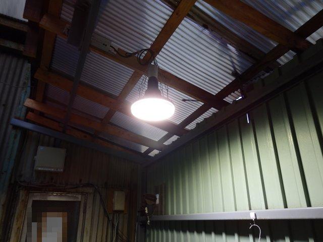 LED水銀灯設置完了。