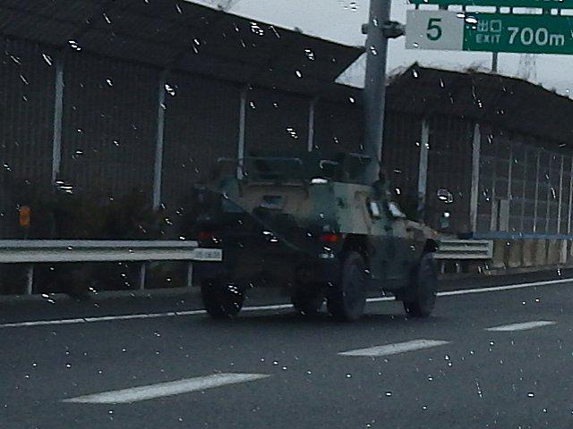 作戦指揮車両の様です。