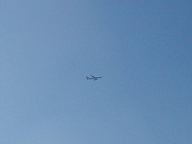 着陸進入中のANA機です。
