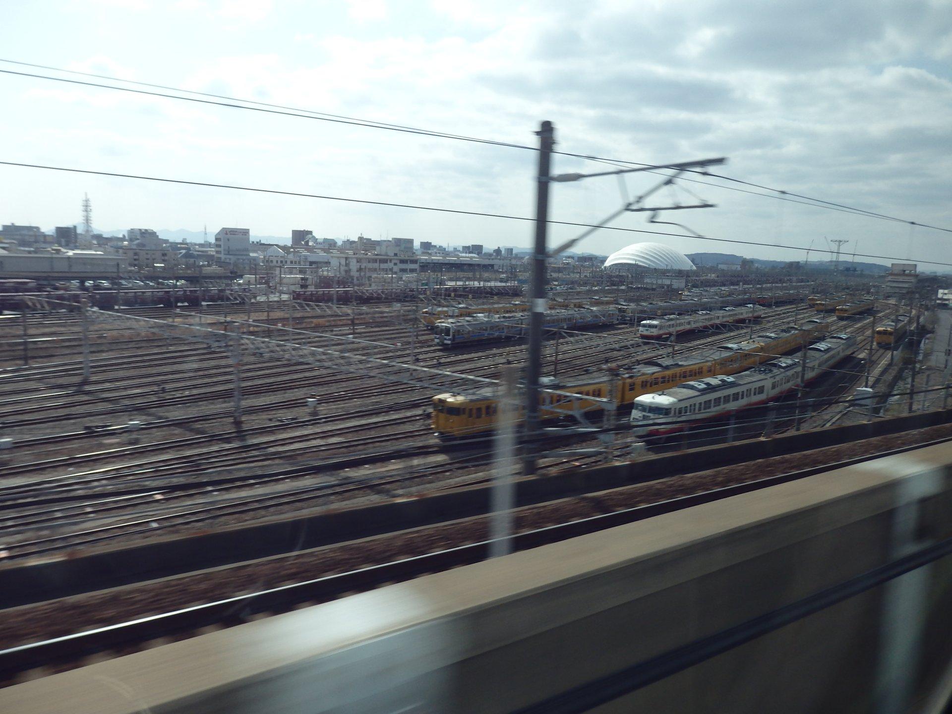 岡山電車区です。