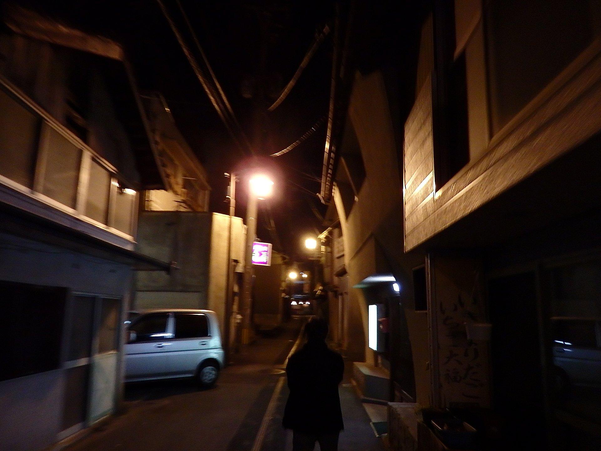 山鹿温泉郷のスナック街です。