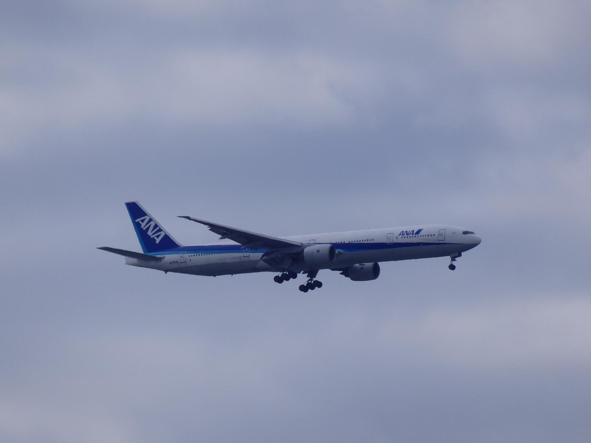 JA757A機です。