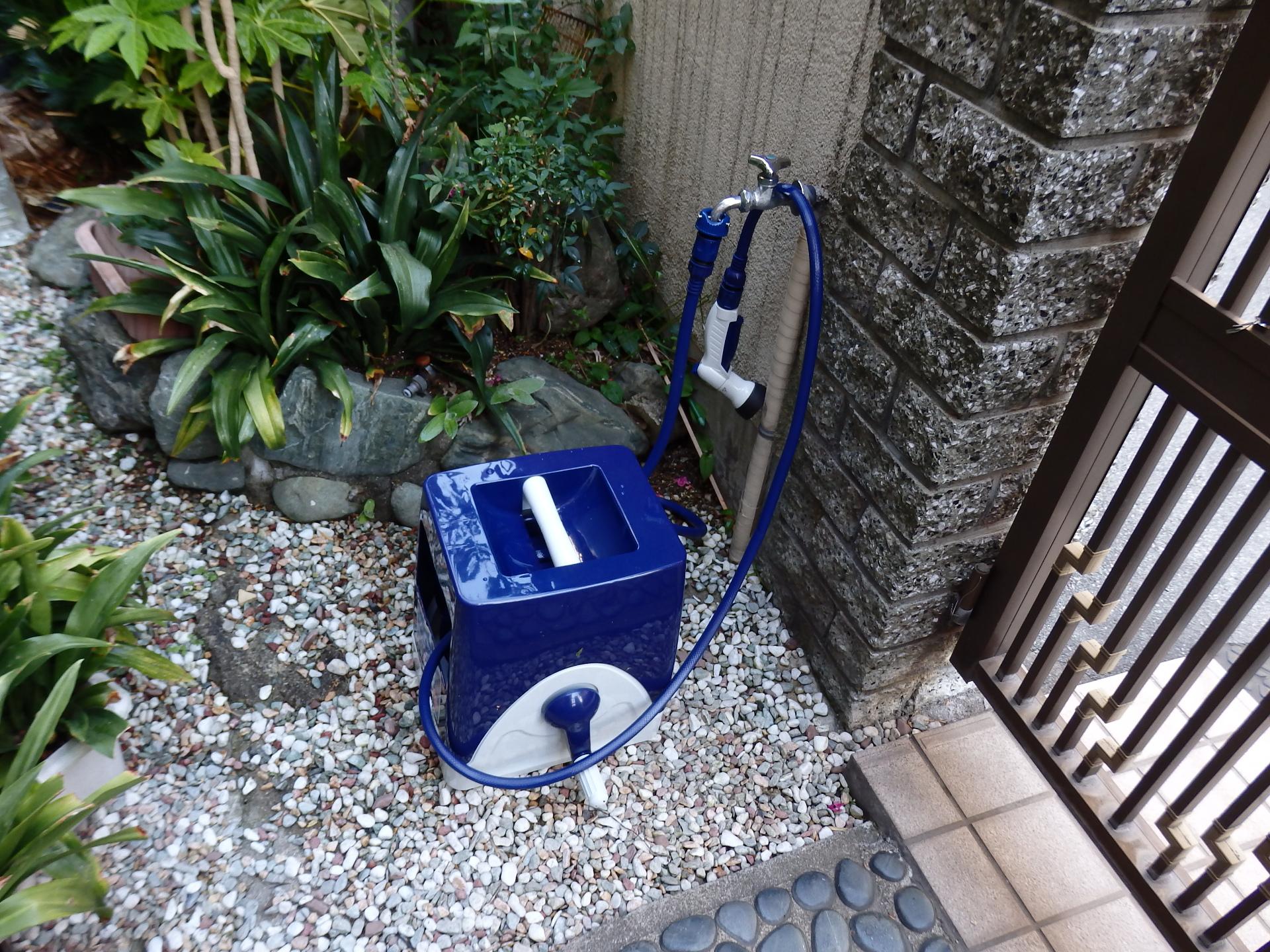 散水栓を交換。