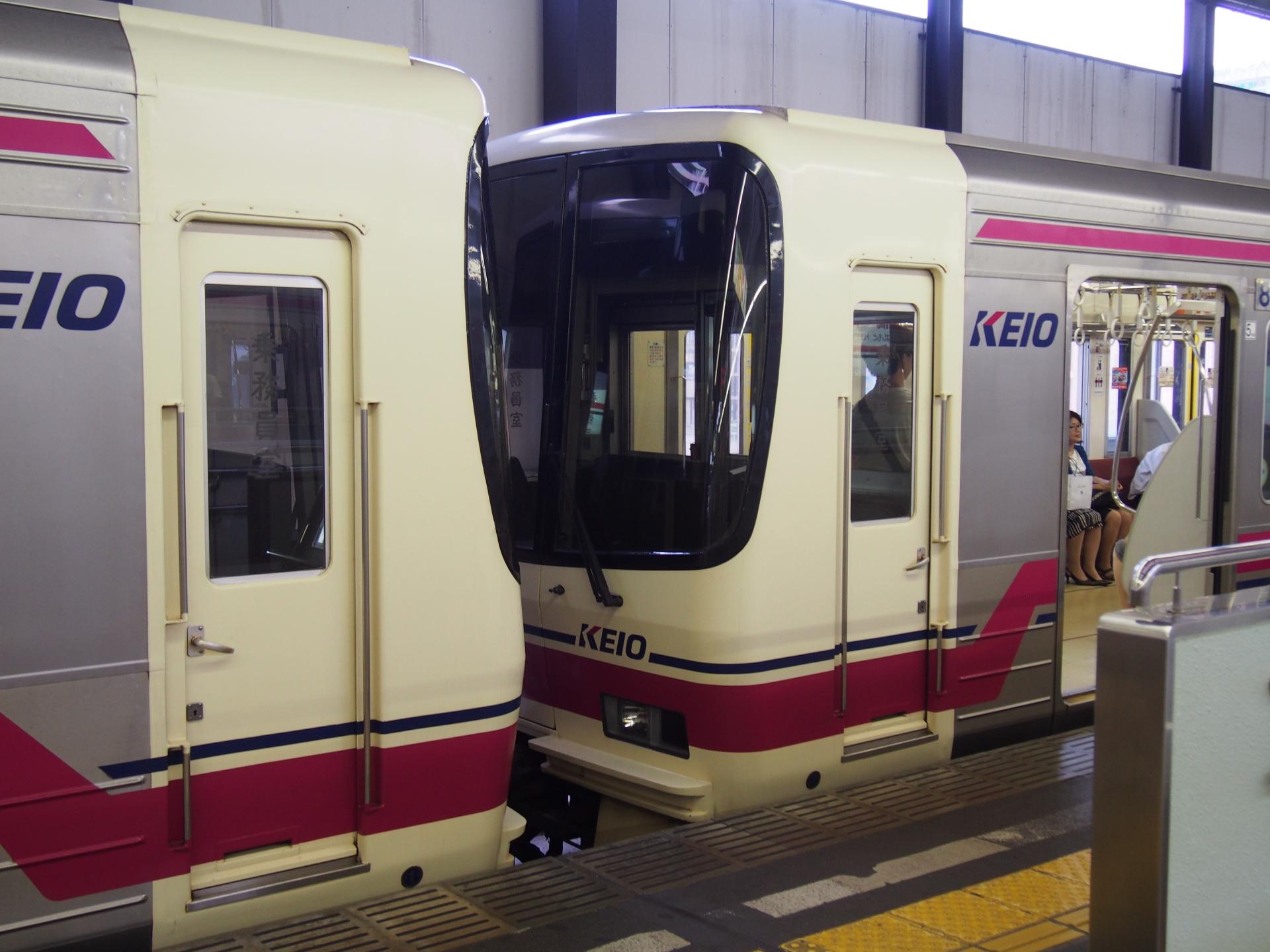 京王8000系です。