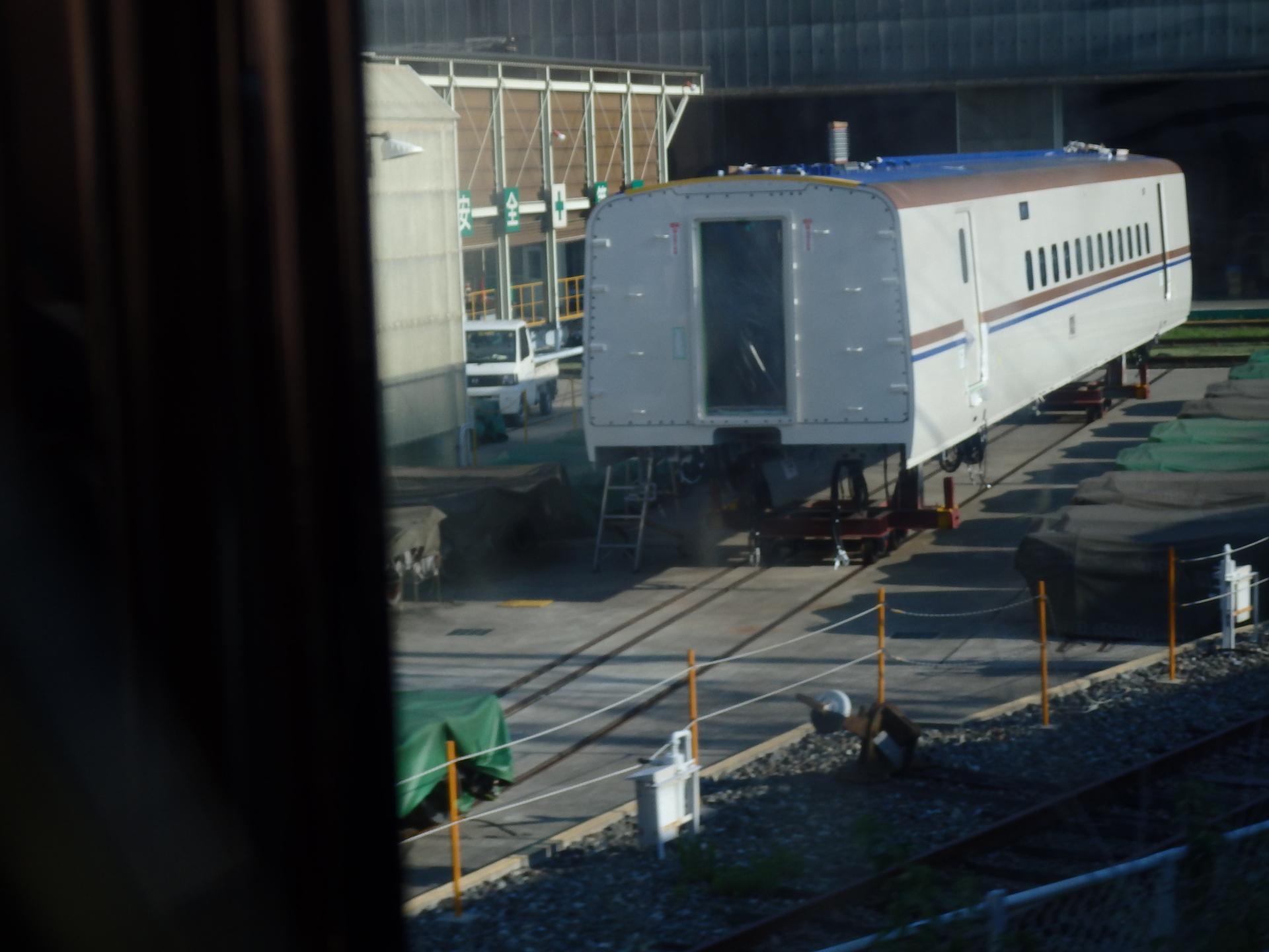 W7系と思われる新幹線車両です。