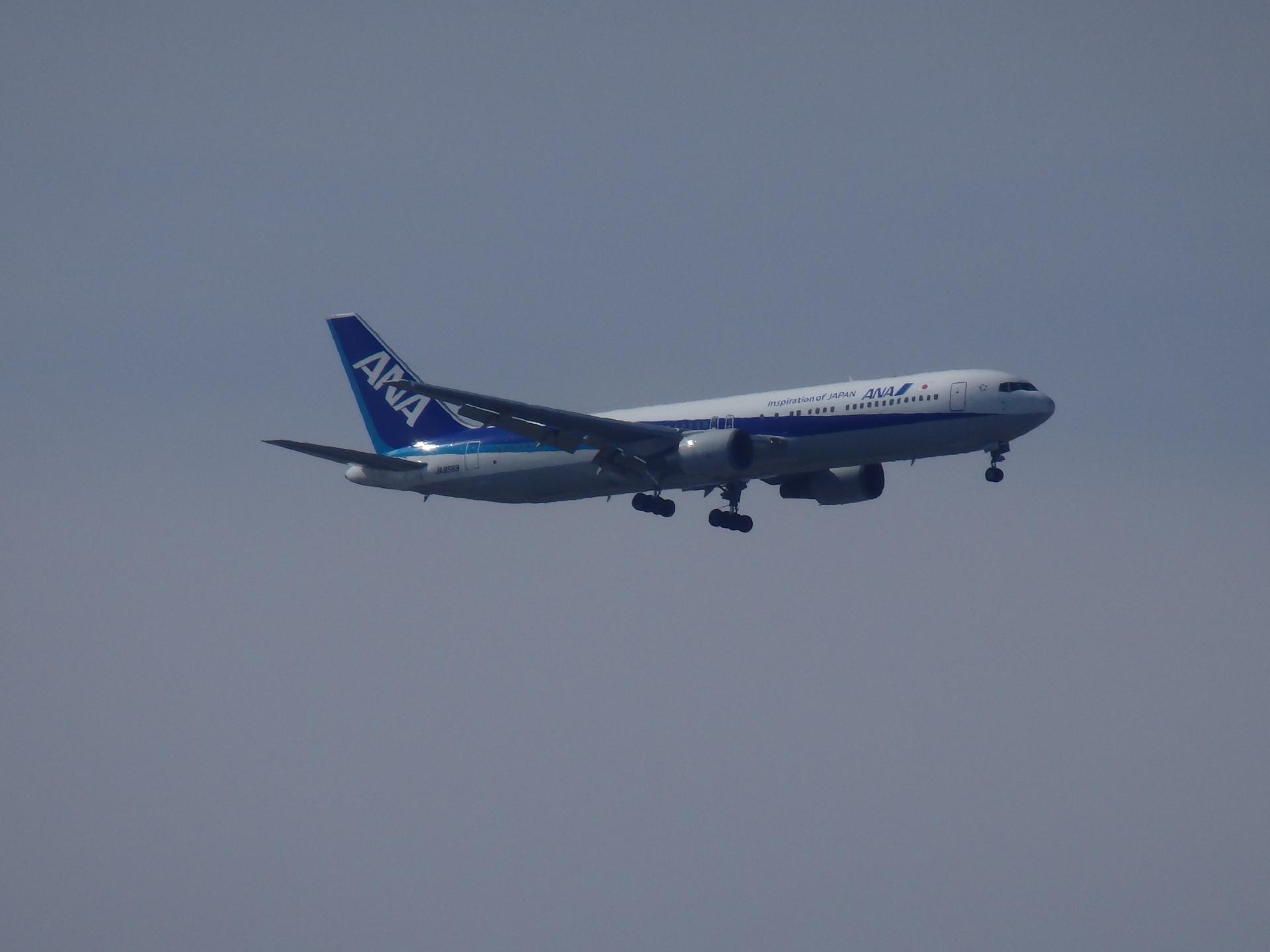 JA8569機です。
