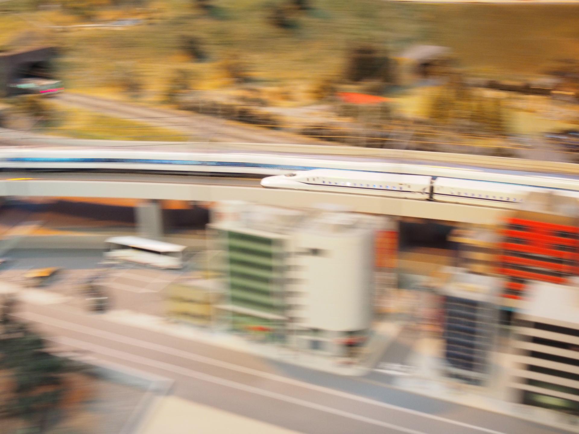 N700A系新幹線の流し撮りです。