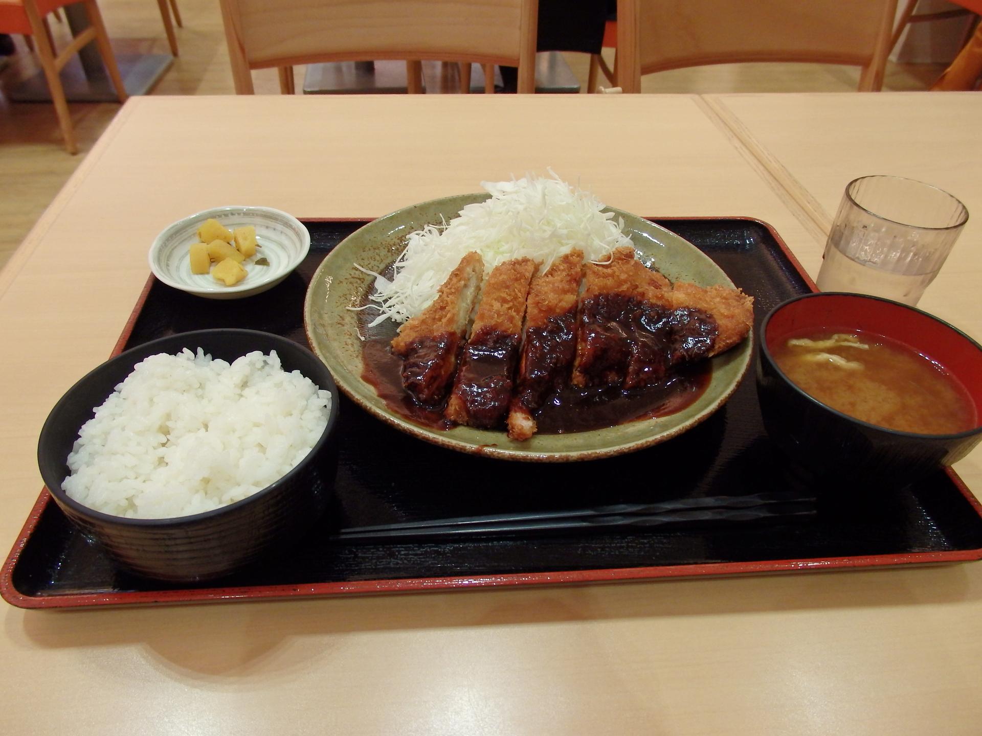 味噌カツ定食を食しました。