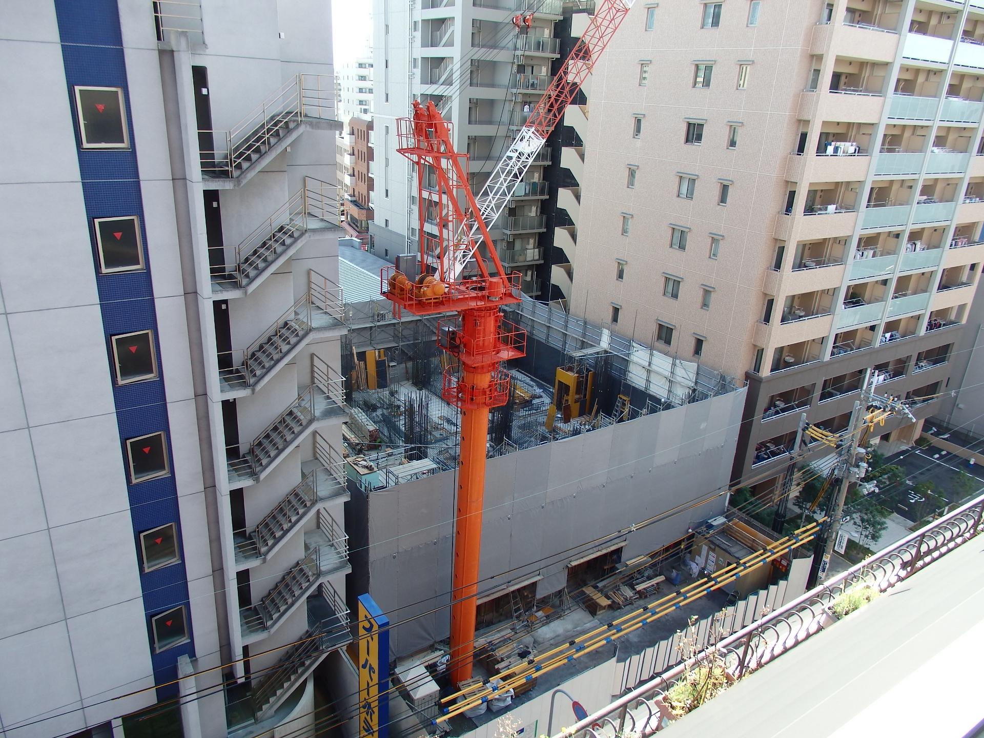 サムティ単身者マンションの建設現場です。